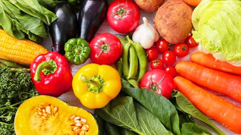 薄毛対策に良い食べ物(栄養素)と避けたい食べ物。薄毛予防も食生活から!