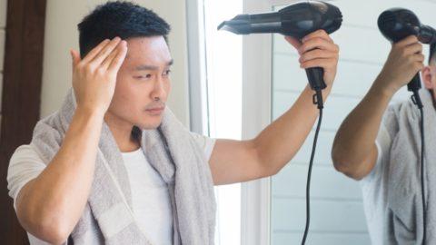 薄毛が進行するNGなドライヤーの使い方とは!正しく使用し薄毛を予防しましょう